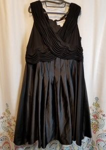 Jessica Howard little black dress empire waist